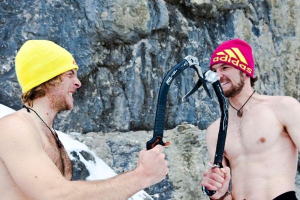 wearing-clothes-while-ice-climbing-is-recommended